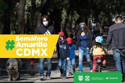 QUINCUAGÉSIMO SÉPTIMO AVISO POR EL QUE SE DA A CONOCER EL COLOR DEL SEMÁFORO EPIDEMIOLÓGICO DE LA CIUDAD DE MÉXICO, ASÍ COMO LAS MEDIDAS DE PROTECCIÓN A LA SALUD QUE DEBERÁN OBSERVARSE DERIVADO DE LA EMERGENCIA SANITARIA POR COVID-19
